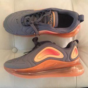 NIB- Nike - Air Max 720 - 5.5y & 6y